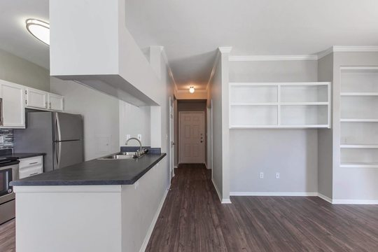 Cierra Crest Apartments - Spacious Floorplan with Fully Equipped Kitchen