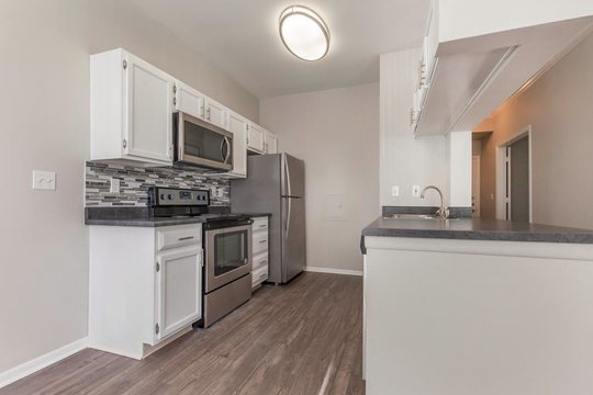 Cierra Crest Apartments - Fully-Equipped Kitchen with Breakfast Island