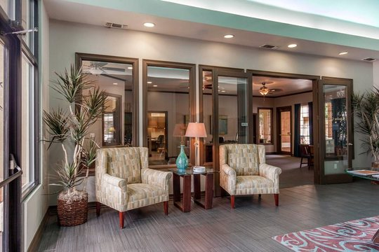 Cierra Crest Apartments - Clubhouse Lounge Area